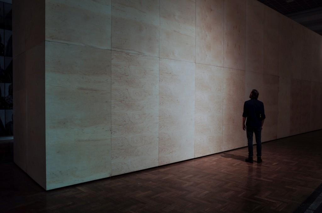 Mirosław Bałka, 233906250 cc, 2014, steel and plywood, photo by Paweł Eibel